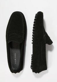 Pier One - Nazouvací boty - black - 1