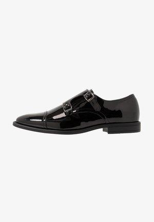Elegantní nazouvací boty - black