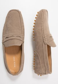 Pier One - Moccasins - taupe - 1
