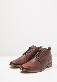 Pier One - Chaussures à lacets - dark brown - 2