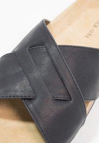 Pier One - Domácí obuv - black - 5
