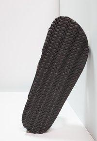 Pier One - Domácí obuv - black - 4