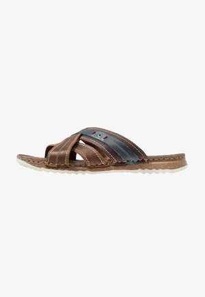 Sandalias planas - brown