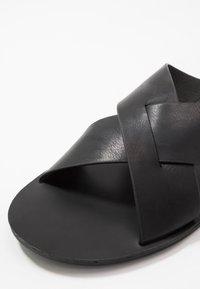 Pier One - Pantofle - black - 5