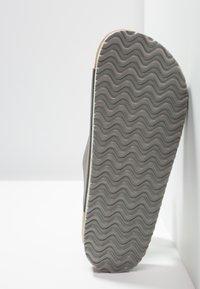 Pier One - Domácí obuv - grey - 4