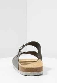 Pier One - Domácí obuv - grey - 3