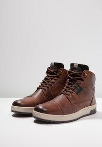 Pier One - Zapatillas altas - cognac - 2