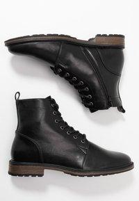 Pier One - Šněrovací kotníkové boty - black - 1