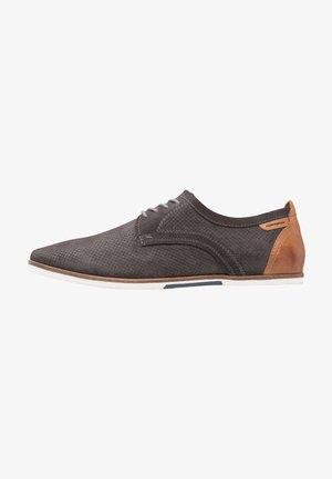 Volnočasové šněrovací boty - dark gray