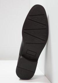 Pier One - Klassiset nauhakengät - black - 4