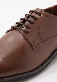 Pier One - Smart lace-ups - light brown - 5