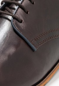 Pier One - Stringate eleganti - dark brown - 5