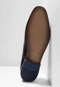 Pier One - Stringate eleganti - dark brown - 4