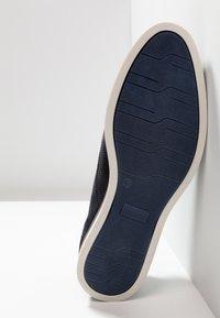 Pier One - Chaussures à lacets - blue - 4
