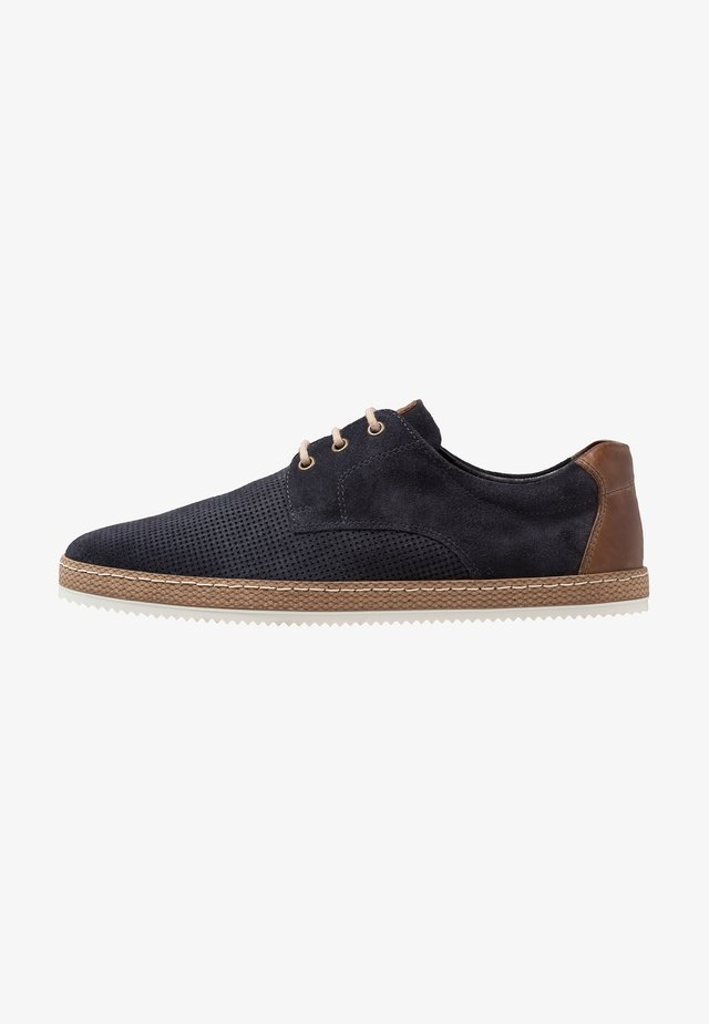 Zapatos con cordones - dark blue
