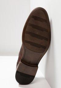 Pier One - Elegantní šněrovací boty - brown - 4