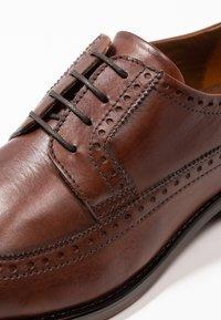 Pier One - Elegantní šněrovací boty - brown - 5