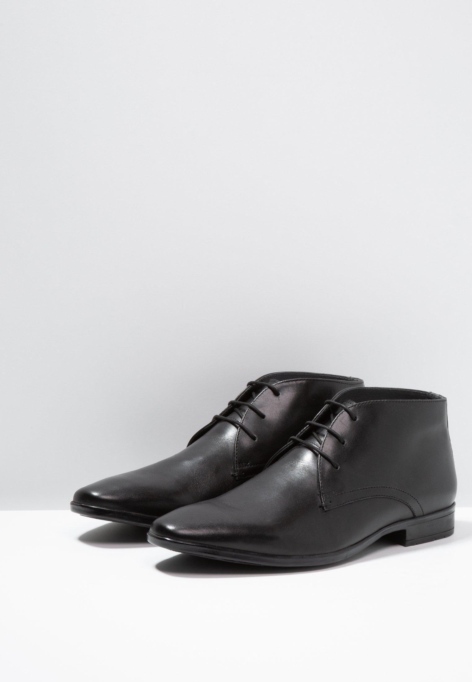 Pier One Derbies & Richelieus black
