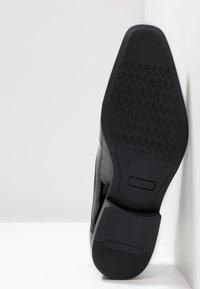 Pier One - Smart lace-ups - black - 4