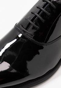 Pier One - Klassiset nauhakengät - black - 5