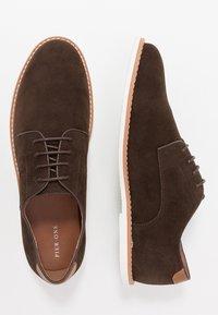 Pier One - Chaussures à lacets - dark brown - 1