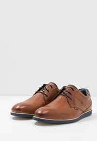 Pier One - Casual lace-ups - cognac - 2