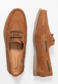 Pier One - Boat shoes - cognac - 1