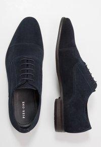Pier One - Zapatos con cordones - dark blue - 1