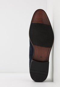 Pier One - Zapatos con cordones - dark blue - 4