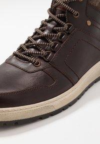 Pier One - Sneakers hoog - brown - 5
