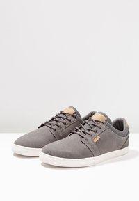 Pier One - Sneaker low - grey - 2