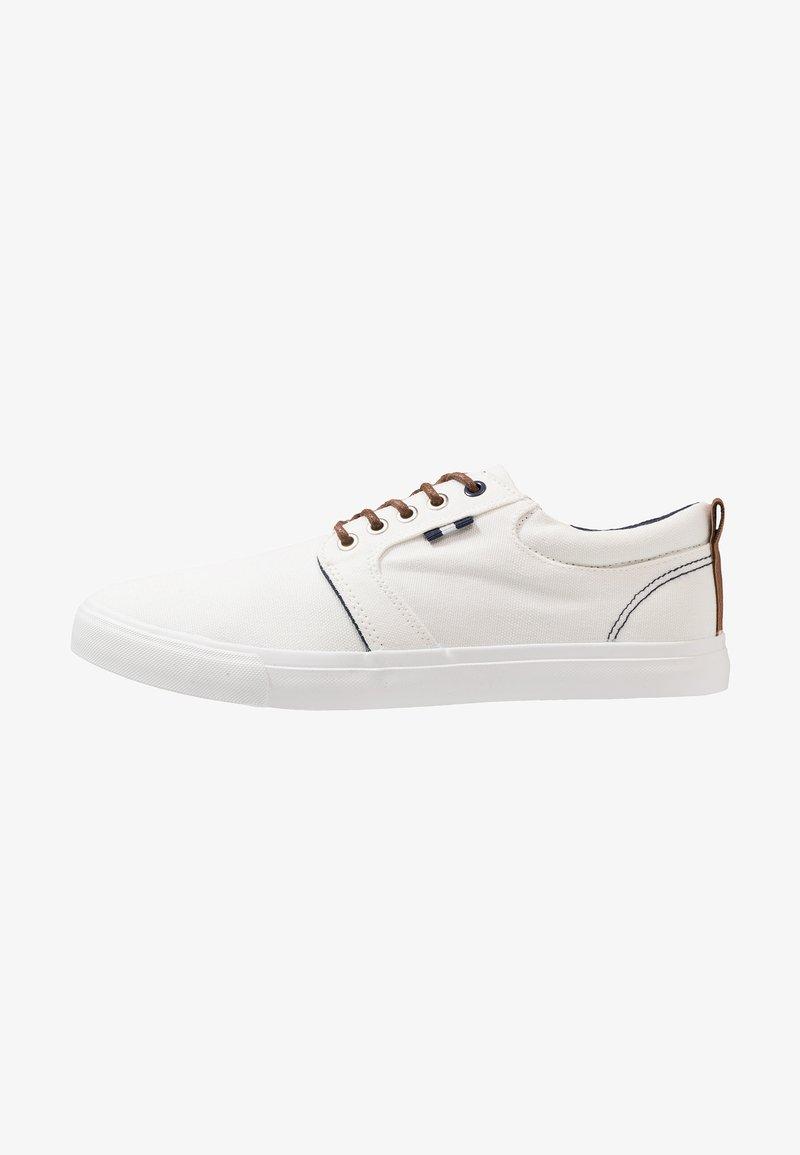 Pier One - Zapatillas - white