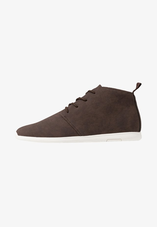 Casual lace-ups - dark brown