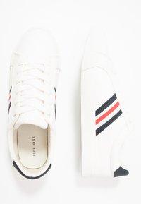 Pier One - Sneakersy niskie - white - 1