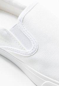 Pier One - Nazouvací boty - white - 5