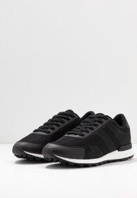 Pier One - Sneakersy niskie - black - 2