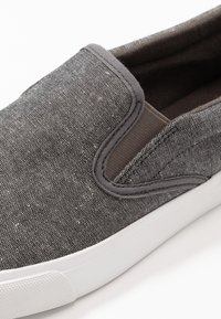 Pier One - Slip-ons - grey - 5