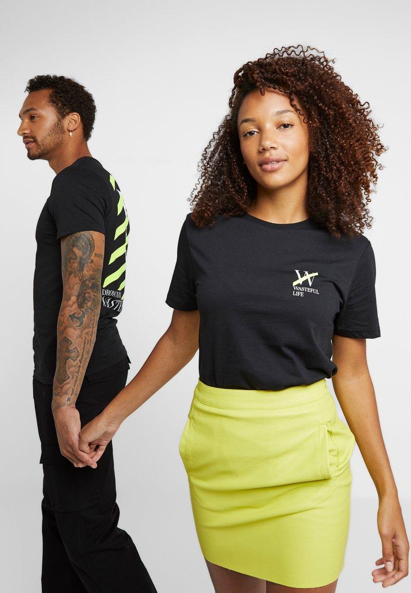 Pier One - UNISEX - T-shirt med print - black