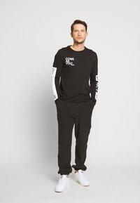 Pier One - Langarmshirt - black - 1