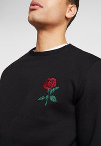Pier One - ROSE EMBRO  - Felpa - black - 5