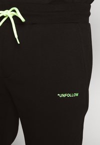 Pier One - Joggebukse - black - 6