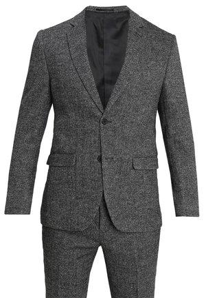 Puku - mottled grey