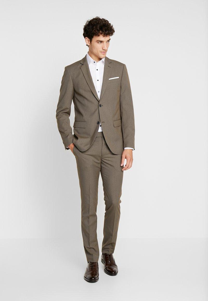 Pier One - Anzug - brown