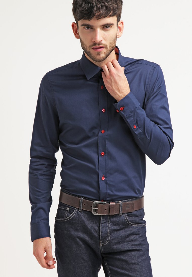 Pier One - CONTRAST BUTTON SLIMFIT - Shirt - dark blue/red
