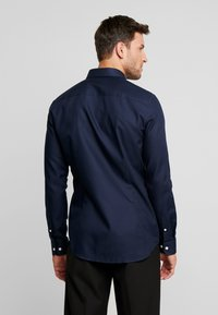Pier One - Koszula biznesowa - dark blue - 2
