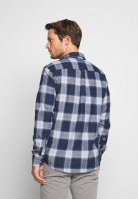Pier One - Skjorter - mottled dark blue - 2