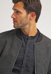 Pier One - Camisa - black - 3