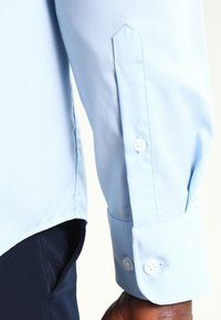 Pier One - Camisa elegante - light blue - 4