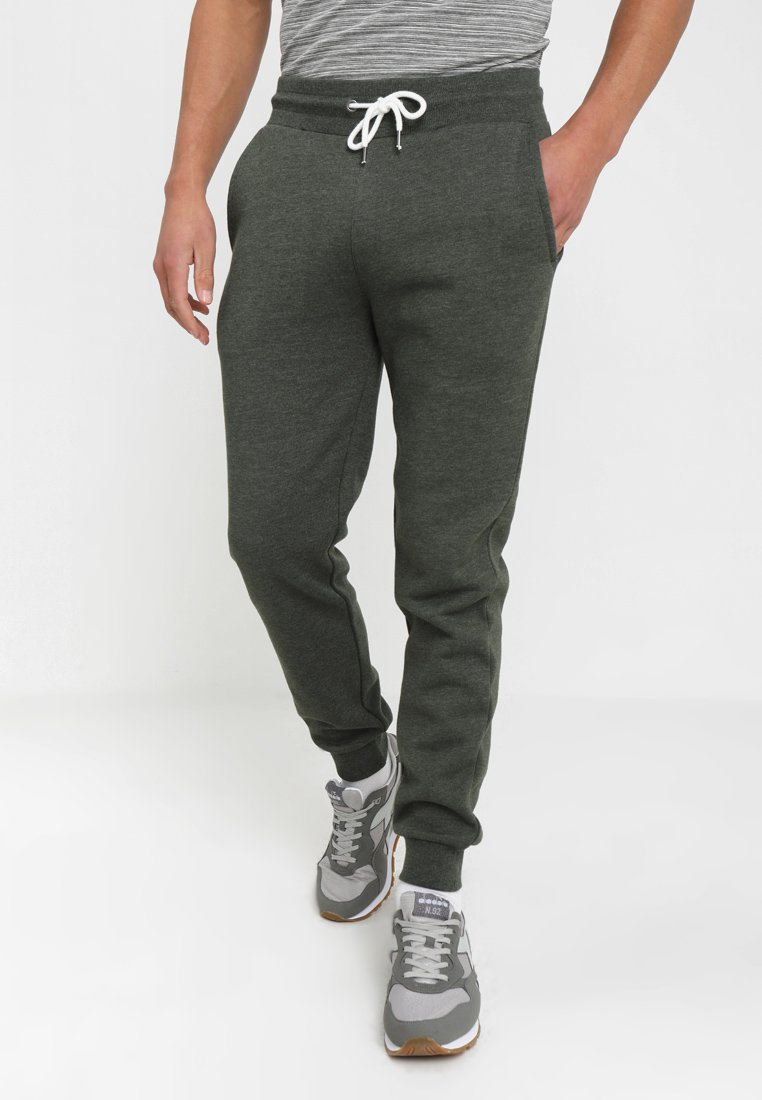 Pier One - Tracksuit bottoms - oliv