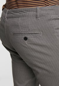 Pier One - Chinos - grey - 5